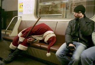 Drunk_santa_train-550x379